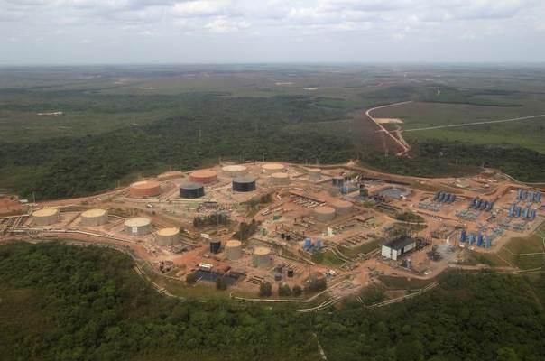 Aerial view of the Campo Rubiales oil field in Meta, eastern Colombia, January 23, 2013. REUTERS/Jose Miguel Gomez