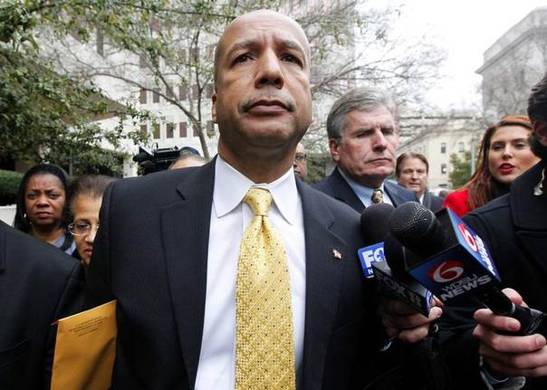 Former New Orleans Mayor C. Ray Nagin leaves the courthouse after being found guilty on graft charges in New Orleans, Louisiana February 12, 2014 REUTERS/Jonathan Bachman