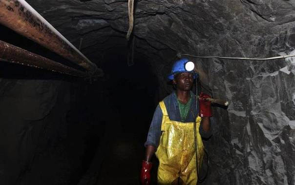 In this 2011 file photo, a Zimbabwean miner works underground at Metallon Gold mine in Shamva about 80 km (50 miles) north of the capital Hararre REUTERS/Philimon Bulawayo