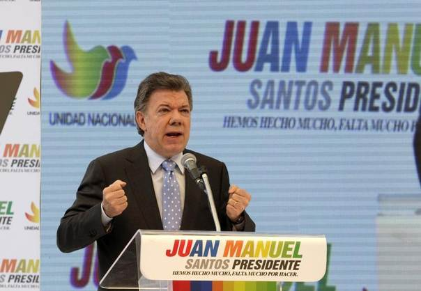 Colombia's President Juan Manuel Santos speaks during a campaign rally in Bogota April 28, 2014. REUTERS/Jose Miguel Gomez