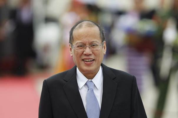President Benigno Aquino of the Philippines arrives at Naypyitaw international airport, Myanmar, May 10, 2014. REUTERS/Soe Zeya Tun