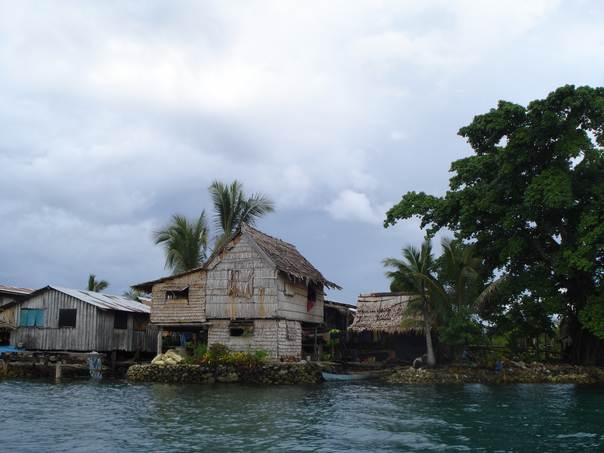 Communities living on low-lying islands in Malaita Province, in the Solomon Islands, are being severely impacted by rising seas and face displacement. THOMSON REUTERS FOUNDATION/Catherine Wilson