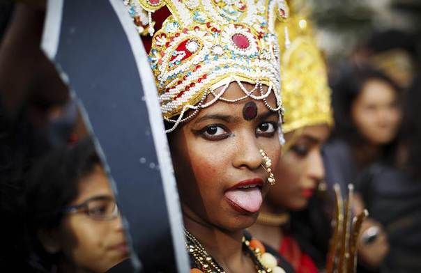 A student dressed as Kali, the Hindu goddess of power, takes part in a march against sexual harassment and violence against women in Mumbai September 25, 2013. REUTERS/Danish Siddiqui