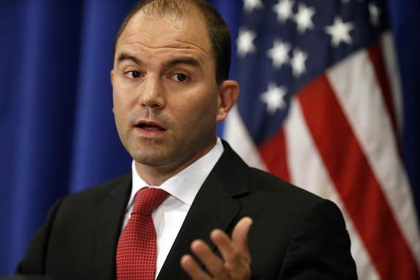 U.S. says Deputy U.S. national security adviser Ben Rhodes speaks during a press briefing on Martha's Vineyard, Massachusetts as U.S. Barack Obama continues his vacation on the island August 22, 2014. REUTERS/Kevin Lamarque