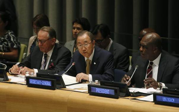 United Nations Secretary-General Ban Ki-moon (C) addresses an informal meeting of the 193-member U.N. General Assembly on the conflict in Gaza at U.N. headquarters in New York, United States, August 6, 2014. REUTERS/Mike Segar