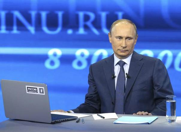 Russian President Vladimir Putin takes part in a live broadcast nationwide phone-in in Moscow April 25, 2013 REUTERS/Alexei Nikolsky/Ria Novosti/Pool
