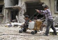 Syria starts evacuating civilians from besieged Homs centre