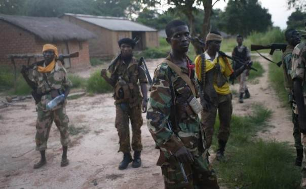Seleka fighters on patrol, searching for Anti-Balaka Christian militia members near the Central African Republic town of Lioto. Picture June 6, 2014. REUTERS/Goran Tomasevic