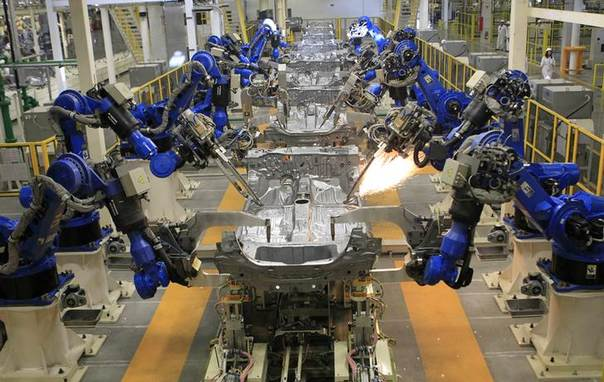 A production line is seen after the opening of Honda's new automobile plant in a suburb of Celaya, Guanajuato February 21, 2014. REUTERS/Henry Romero