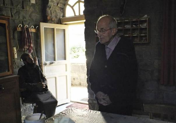 Dutch Jesuit Father Frans van der Lugt prays at the Monastery of the Jesuit Fathers in the besieged area of Homs, Syria, January 29, 2014.