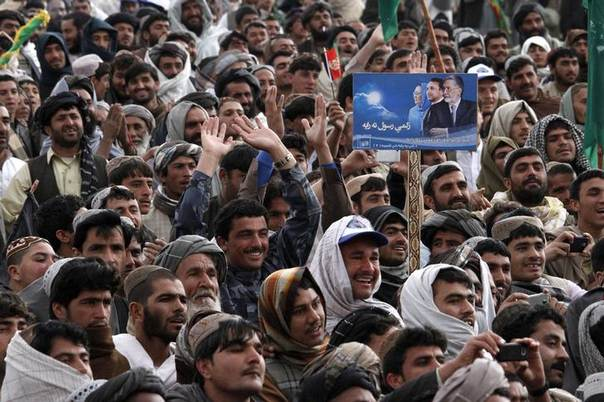 Supporters of Afghan presidential candidate Zalmai Rassoul attend a presidential campaign in Kandahar province March 15, 2014 REUTERS/ Ahmad Nadeem