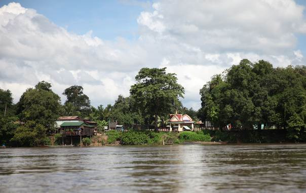 Srae Kor village on Sesan River, northern Cambodia, August 31, 2013. THOMSON REUTERS FOUDNATION/Thin Lei Win