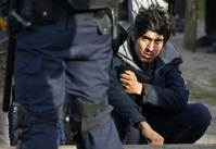 France tells migrants to forget Calais as