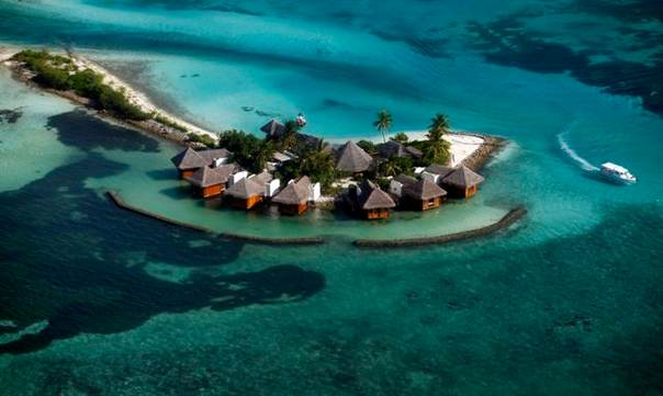 An aerial view shows a resort island at the Male Atoll, on Dec. 7, 2009. Maldives is home to some 400,000 islanders, whose livelihood from fishing and tourism is being hit by climate change. REUTERS/Reinhard Krause