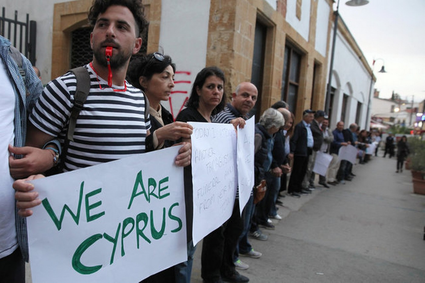 greek cypriots and turkish cypriots essay Nicosia, cyprus (ap) — greek cypriots are gearing up for a presidential runoff, barely seven months after the latest failure to reunify the eastern mediterranean island nation of cyprus.