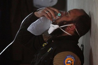 U.S. threatens Syria, says Assad is planning chemical weapons attack