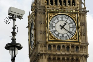 Police to roll out live facial recognition cameras in London