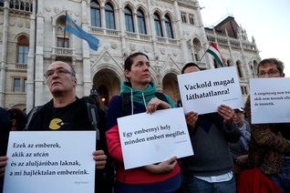 New Hungary law bans rough sleepers, rights groups complain