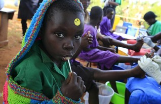 International aid saves 700 mln lives but gains at risk -report