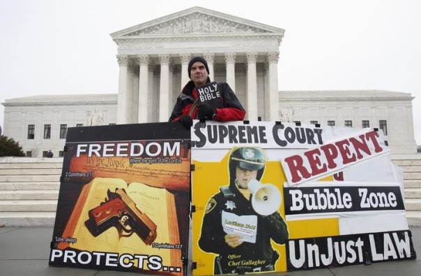 Alan Hoyle rallies in front of the U.S. Supreme Court in Washington, USA, January 15, 2014. REUTERS/Yuri Gripas