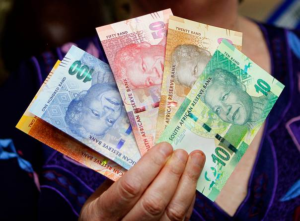 South Africa's new rand banknotes on November 6, 2012. REUTERS/Siphiwe Sibeko