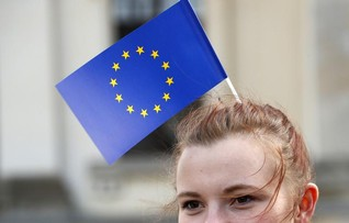 EU proposes two-year plan to close gender pay gap