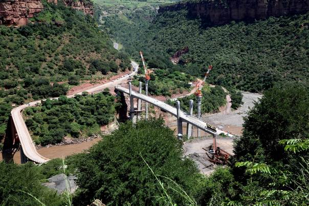 An aerial view shows the Abay bridge over the Blue Nile in Gorge, some 200 km (124 miles) north of Ethiopia's capital Addis Ababa, on September 10, 2008. REUTERS/Irada Humbatova
