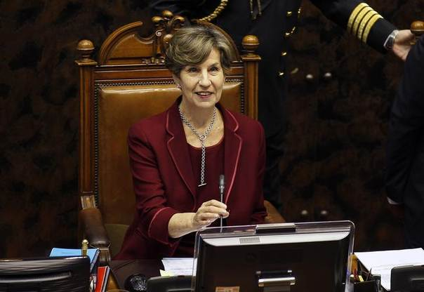 Socialist Party Senator Isabel Allende (C) takes her seat as president of the Chilean Senate at the new Congress's first session, before the inaugural ceremony of Michelle Bachelet as president for her second, non-consecutive, term. Picture Valparaiso, March 11, 2014, REUTERS/Eliseo Fernandez