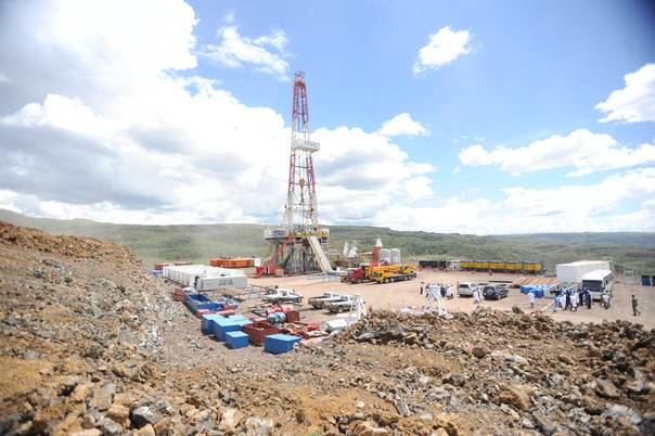 A geothermal drilling rig sits at the Menengai geothermal site in Kenya's Rift Valley. THOMSON REUTERS FOUNDATION/Isaiah Esipisu