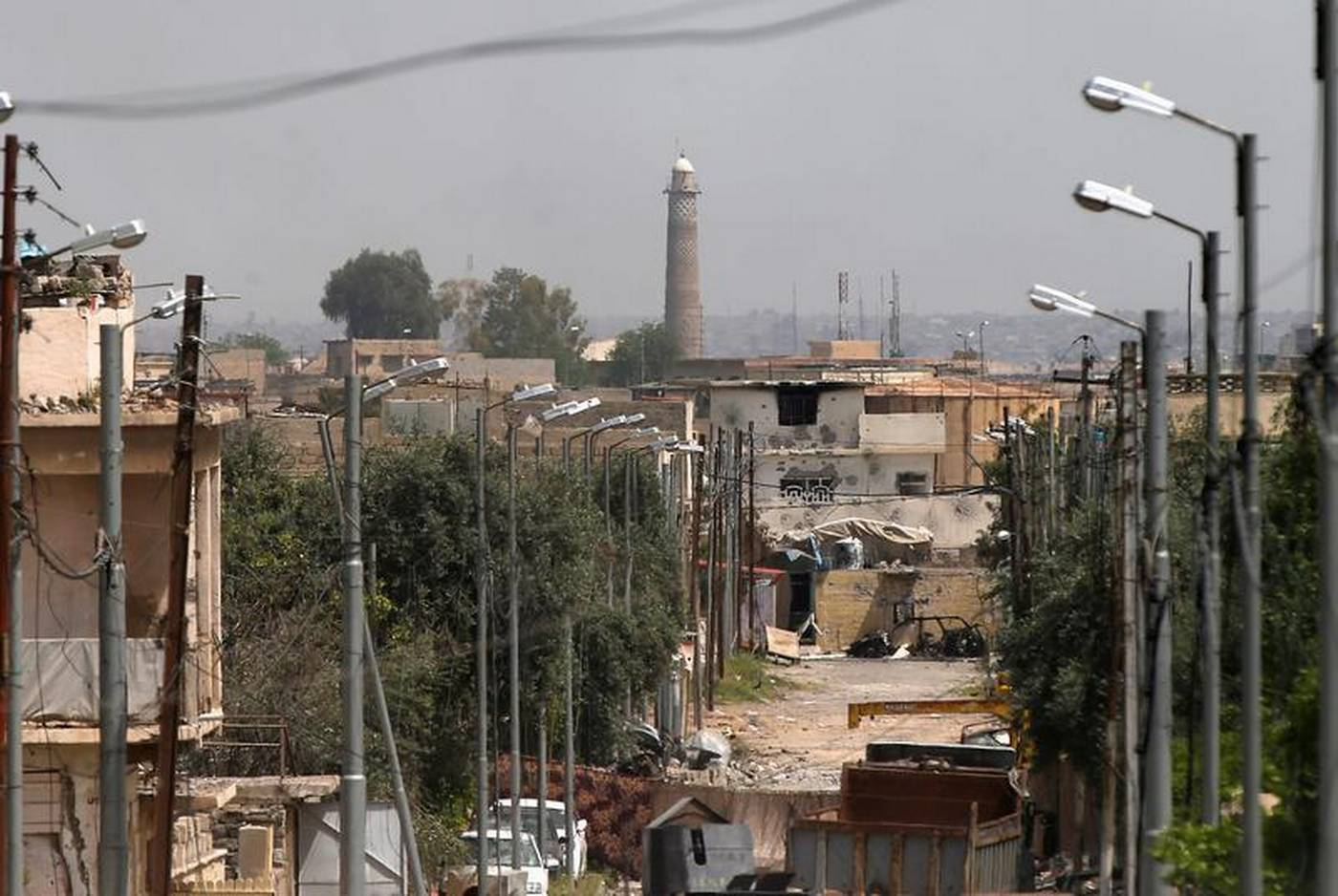 islamic state fighters seal off mosul mosque preparing for