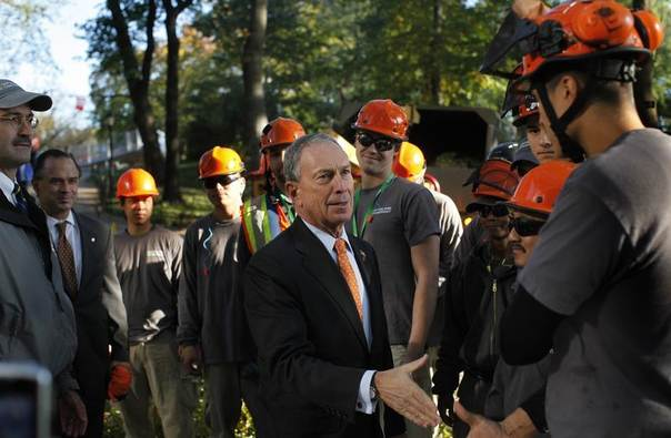 Former New York City Mayor Michael Bloomberg says thanks to tree workers in New York's Central Park after a rare October snowstorm damaged trees in the park, Nov. 2, 2011. REUTERS/Mike Segar