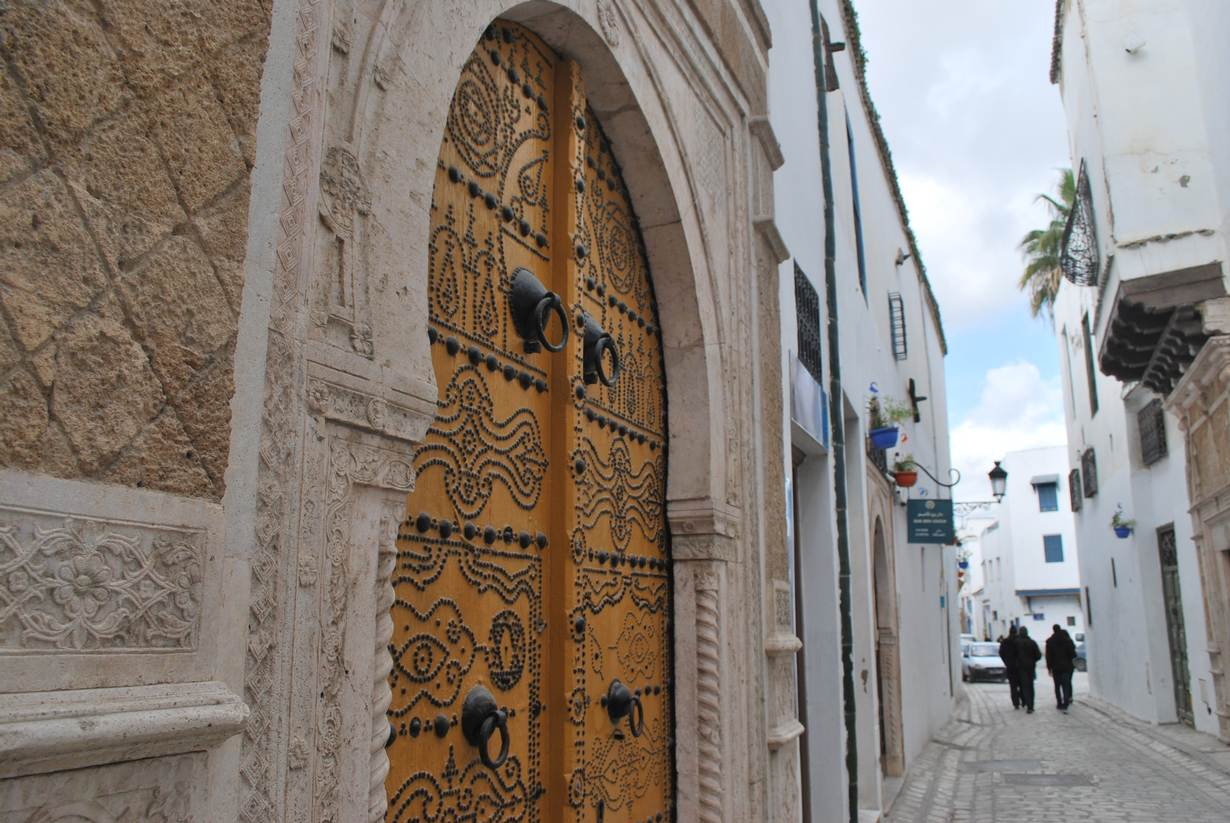 Citizens step in to revive Tunis crumbling old town; Layli Foroudi; Reuters