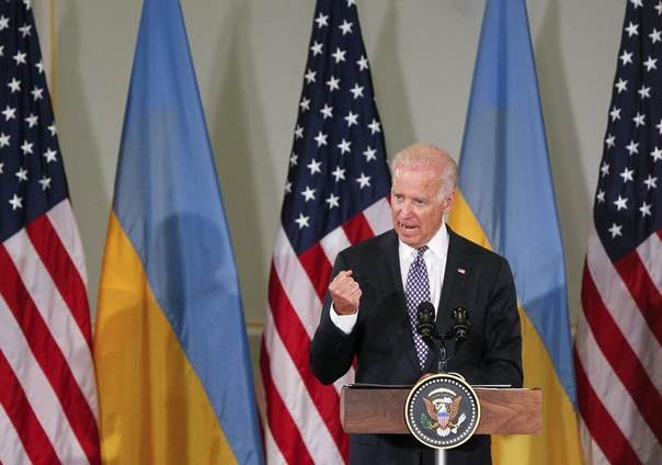 U.S. Vice President Joe Biden addresses students of the Diplomatic Academy of Ukraine in Kiev April 22, 2014. REUTERS/Valentyn Ogirenko