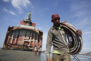 Widow of Bangladeshi ship-breaking worker free to sue UK-based firm