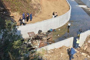 Twenty-two killed as truck carrying migrants crashes in Turkey