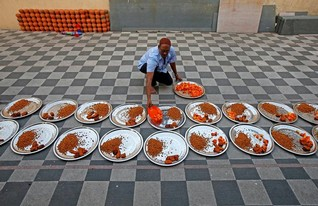 The first day of Ramadan in an Indian mosque