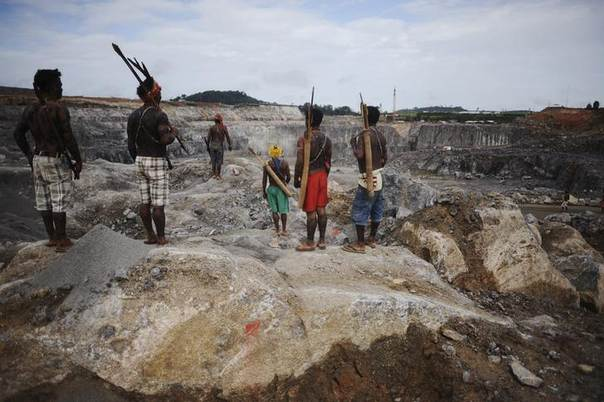 Amazon Indians occupy the main construction site of the Belo Monte hydroelectric dam in Vitoria do Xingu, near Altamira in Para State, May 27, 2013. REUTERS/Lunae Parracho