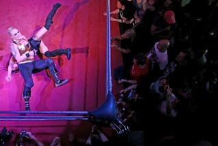 Britain's female wrestlers grapple with acceptance