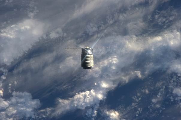 The unmanned U.S. commercial cargo ship Cygnus is seen approaching the International Space Station in this September 29, 2013 handout photo by NASA. REUTERS/NASA TV/Handout via Reuters