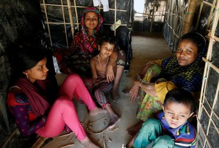"""EXCLUSIVE-UN criticises Myanmar plan to resettle Rohingya in """"camp-like"""" villages"""