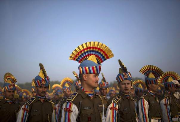Indian Central Reserve Police Force personnel take part in a rehearsal for the Jan. 26 Republic Day parade on a cold winter morning in New Delhi. Picture January 8, 2014. REUTERS/Ahmad Masood