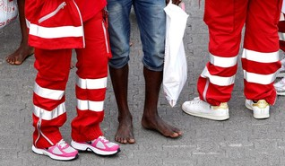 Italy rescues migrants, asks other countries to host them - source
