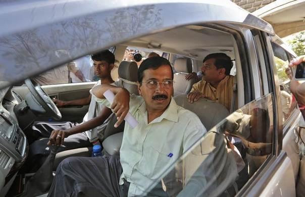 Delhi's former chief minister and the chief of the Aam Aadmi (Common Man) Party (AAP) Arvind Kejriwal arrives to address a news conference on the outskirts of the western Indian city of Ahmedabad March 7, 2014 REUTERS/Amit Dave