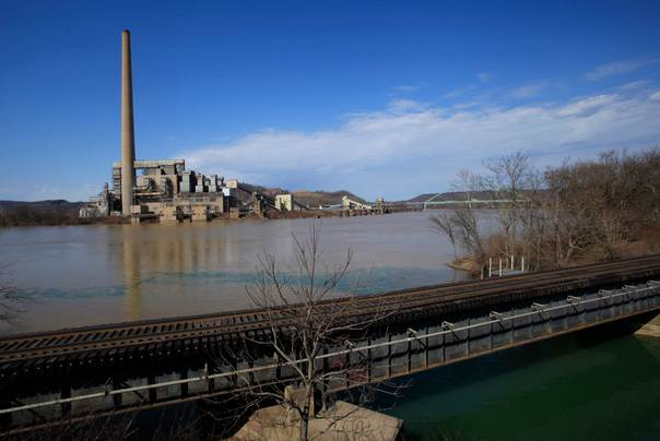 An old Ohio Edison electric plant in Ohio, rumoured to be the site for the first new U.S. chemical cracker plant in more than 20 years, is seen across the Ohio river from Moundsville, West Virginia, on March 6, 2012. REUTERS/Jason Cohn