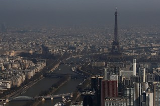 French government threatened with fines by top court over air pollution