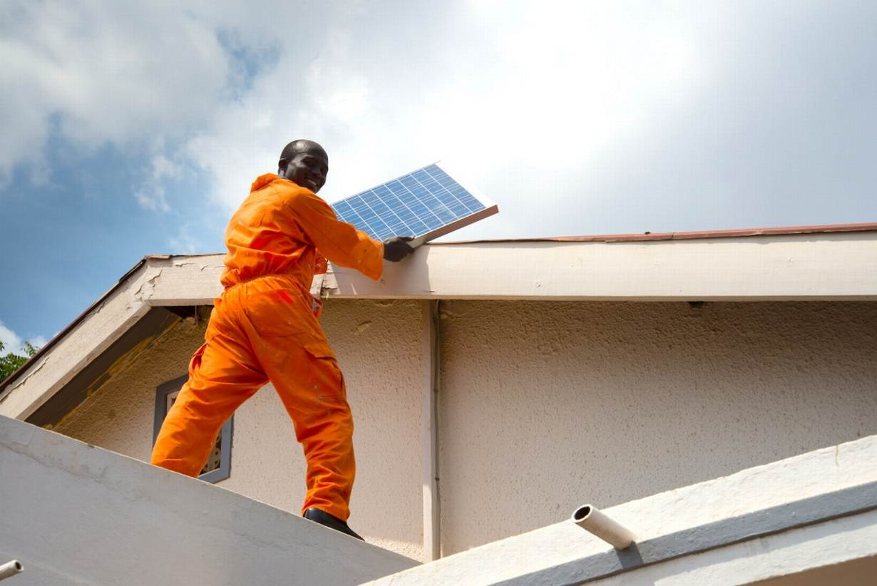how to become a solar energy technician