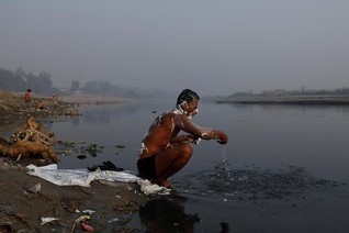 Water pollution an 'invisible threat' to global goals, economists warn