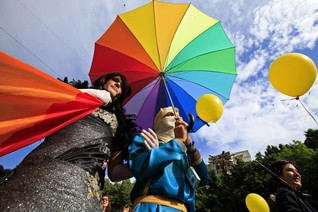 Romania sets date for referendum to block gay marriage