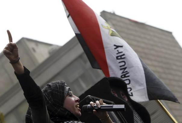 A woman, who opposes Egyptian President Mohamed Mursi, shouts slogans during a protest at Tahrir Square in Cairo March 8, 2013. REUTERS/Amr Abdallah Dalsh