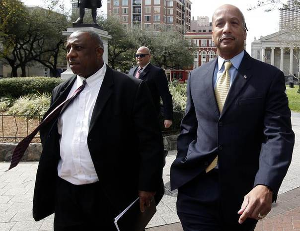 Former New Orleans Mayor Ray Nagin (R) and his attorney Robert Jenkins arrive at court in New Orleans February 20, 2013 REUTERS/Jonathan Bachman